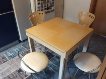 Expandable Kitchen dining table with 2 chairs and 2 stools in Ramstein, Germany