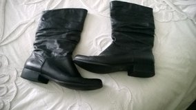 to the lady who bought theses boots and coach items yesterday in Fort Campbell, Kentucky