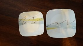 Corelle Dinner Plates small and large in Batavia, Illinois
