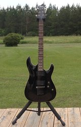 Schecter Omen Active (+ Case) in Leesville, Louisiana
