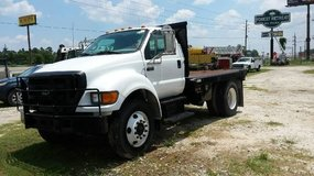 2004 Ford F650 in Navasota, Texas