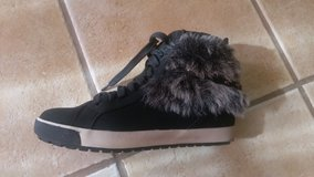 Shoes with little fur in Travis AFB, California
