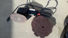 Wen grinder/buffer with grinding discs in Tinley Park, Illinois