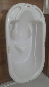 Primo baby infant and toddler bath tub in Fort Belvoir, Virginia