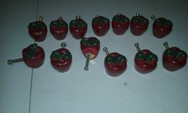Apple cabinet knobs in Fort Campbell, Kentucky