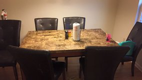 Dining set in Fort Rucker, Alabama