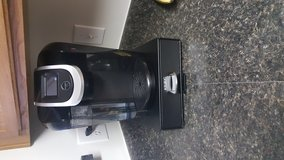 Keurig 2.0 with stand in Fort Bragg, North Carolina