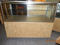 Glass Show Cases in Fort Lewis, Washington