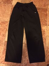 Boys Nike Therma Fit size L in Oswego, Illinois