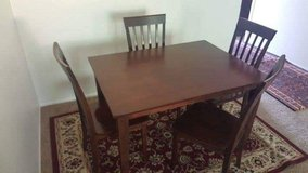 Dining table with 4 chairs in Fort Polk, Louisiana