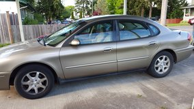 2005 ford taurus in Fort Lewis, Washington
