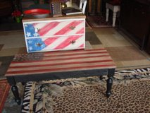 hand painted flag pallet table in Morris, Illinois