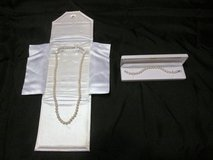 Genuine pearl necklace & bracelet in Moody AFB, Georgia
