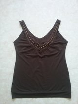 brown Yessica top in Baumholder, GE