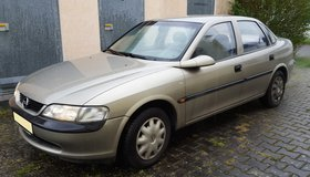 AUTOMATIC OPEL VECTRA in Ramstein, Germany