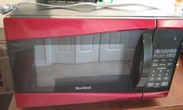 WestBend 0.9 cu.ft. 900 watt microwave in Fort Campbell, Kentucky