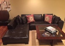 Leather sectional in Glendale Heights, Illinois