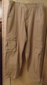 34x32 cargo pants in Fort Campbell, Kentucky