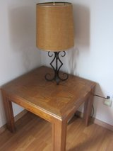 End Table 19'' tall with 3~way lamp in Alamogordo, New Mexico
