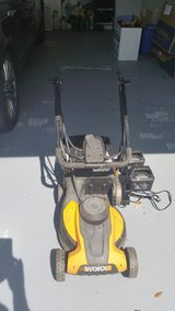 Used Worx Cordless Lawn Mower Model WG775 in Beaufort, South Carolina