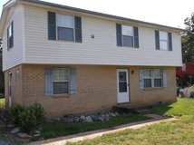 3 Bedroom 1 1/2 Bath House For Rent, Central Heat / Air, Fenced Yard Pets OK in Fort Campbell, Kentucky
