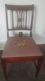 Set of 6 antique chairs in Oswego, Illinois