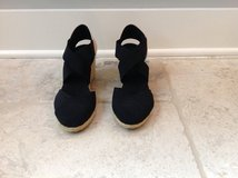 LIKE NEW Women's Ralph Lauren Espadrille Sandals Black Size 8 in Naperville, Illinois