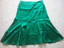 green silk satin tulip skirt in Baumholder, GE