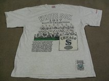 White Sox T-Shirt L Vintage Cooperstown Collection in Schaumburg, Illinois