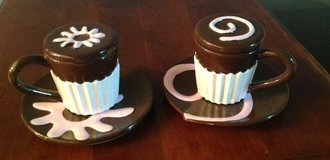 Hot Chocolate Cups with Lids and Saucers in Chicago, Illinois