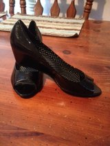 REDUCED!! size 6.5 shoes in Camp Lejeune, North Carolina