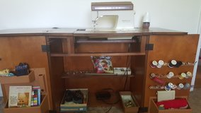 2-Door SOLID WOOD SEWING Cabinet with Singer Creative Fashion Touch 1306 Machine in Cincinnati, Ohio