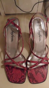 size 9.5 fanfares shoes in Fort Campbell, Kentucky