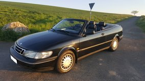 Black Saab 900 Convertible Automatic A/C Loaded in Ansbach, Germany