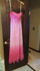 Prom Dress 3, size 4 in Bartlett, Illinois