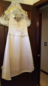 Dress 5, size 4 in Bartlett, Illinois
