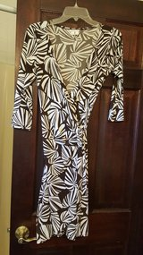 Dress 6, size 4 in Bartlett, Illinois