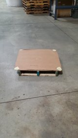 PALLETS - SKIDS  - CARDBOARD LINED $2.50 in Tinley Park, Illinois