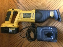 Dewalt 18v Variable Speed Reciprocating Saw DW938, Battery DC9096, Charger DW9116 in Fort Leonard Wood, Missouri