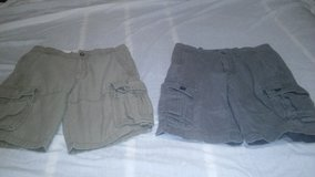 Old Navy Cargo Shorts sz 28 in Camp Lejeune, North Carolina