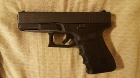 Glock 23 .40 Cal With Super Tuck Hulster in Fort Rucker, Alabama