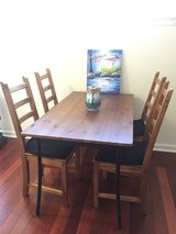 Dining table and 4 chairs in Philadelphia, Pennsylvania