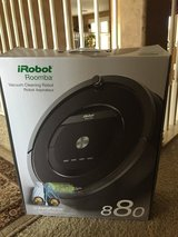 Brand NEW, iRobot ROOMBA 880 in Baytown, Texas