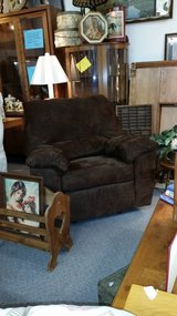 Chocolate Brown Recliner in Lake of the Ozarks, Missouri