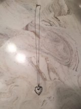 Heart shape pendant necklace in Fort Campbell, Kentucky