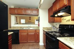 BEAUTIFULLY UPGRADED 2B/2B AVAILABLE TODAY!! in Conroe, Texas