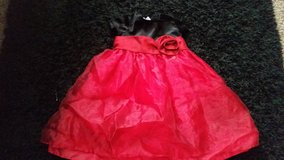 2t formal red and black dress in Temecula, California