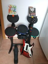 Wii - Guitar Hero/Band Hero Bundle in Ramstein, Germany