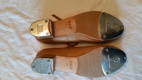 Bloch Tap shoes size 8.5 in Camp Lejeune, North Carolina