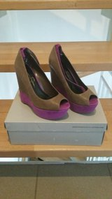 Jessica Simpson carrack wedge shoes in Ramstein, Germany